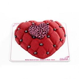 #LOVEisintheAir 💕 Le Cœur glacé à croquer à 2 pour la #SaintValentin ❤️ Tiramisu Fruits rouges en coque chocolat, Biscuit framboise, Glace mascarpone, parfait Marsala, Framboises et Confit fruits rouges Il est déjà disponible ce week-end  Nos créations pour la Saint-Valentin 💕 sont en boutique. N'oubliez pas votre Valentin(e) le ##14fevrier  #AlainChartier #Vannes #cadeauchocolat #Valentin #Valentine #AmourChocolat #Mof #MofGlacier #ChampionduMondelaGlace #RelaisDesserts #pastrychef #IceCreamWorldChampion  #instafood #instagood #igfood #macaron  #patisserie #HallesdesLices #ParcLann #Lorient #Theix  #igersvannes #igers56 #foodvannes #morbihan #golfedumorbihan #miamorbihan photo @laurent_rannou