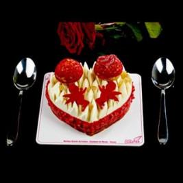 #LOVEisintheAir 💕 Le SAINT-HONORÉ de la #SaintValentin ❤️ J-2 Compotée fruit de la Passion, ganache montée Vanille Gingembre, choux Framboises sur un feuilletage croustillant. Il sera disponible à partir du vendredi 14 Février. Prudent de le réserver  Nos créations (chocolaterie et pâtisserie) pour la #SaintValentin 💕 sont en boutique. N'oubliez pas votre Valentin(e) le ##14fevrier  #AlainChartier #Vannes #cadeauchocolat #Valentin #Valentine #AmourChocolat #Mof #MofGlacier #ChampionduMondelaGlace #RelaisDesserts #IceCreamWorldChampion  #instafood #instagood #igfood #macaron  #patisserie #HallesdesLices #ParcLann #Lorient #Theix  #igersvannes #igers56 #foodvannes #morbihan #golfedumorbihan #miamorbihan photo @laurent_rannou